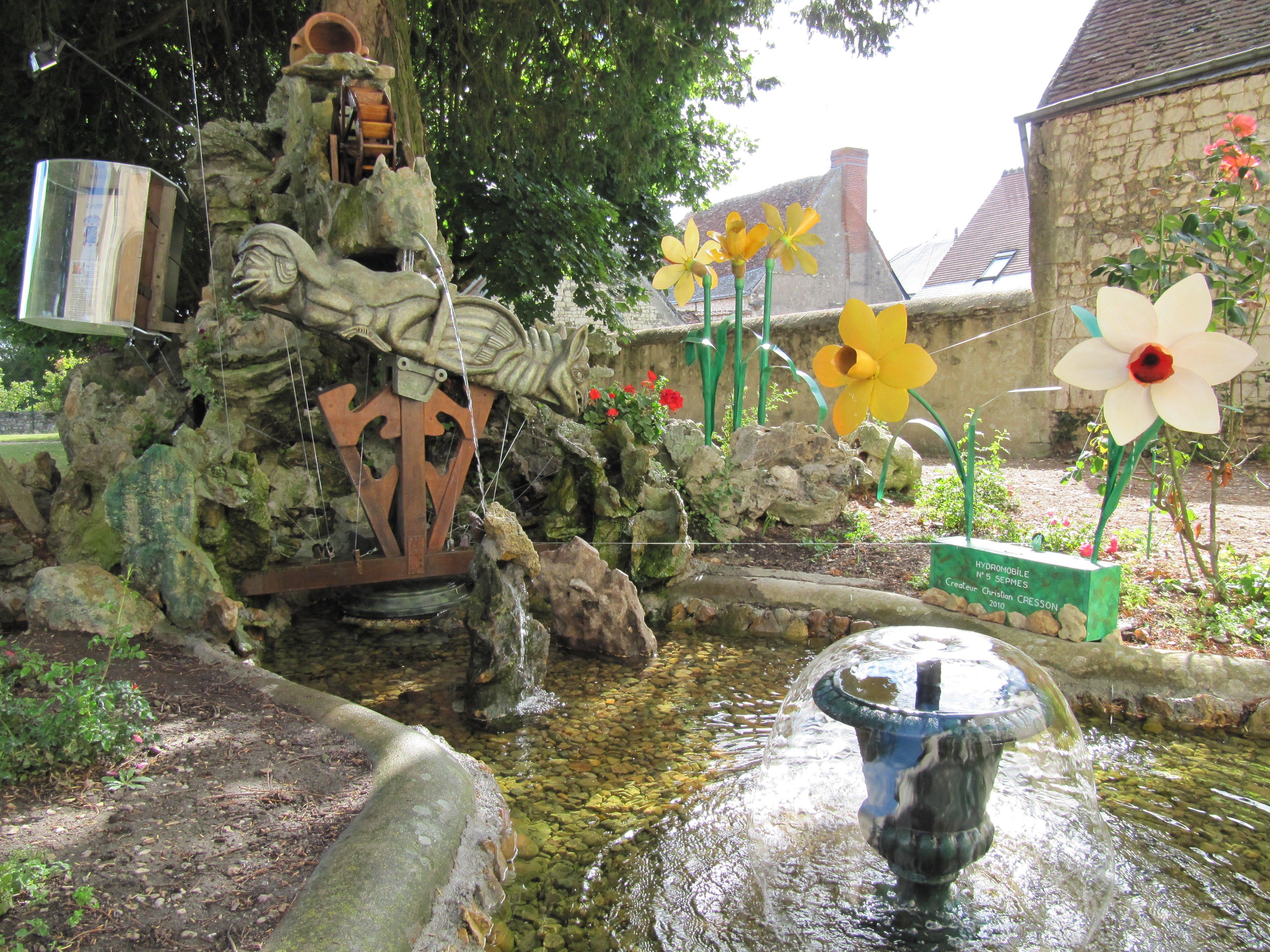 Oregistro = Fontaine De Jardin Autonome Idées de conception
